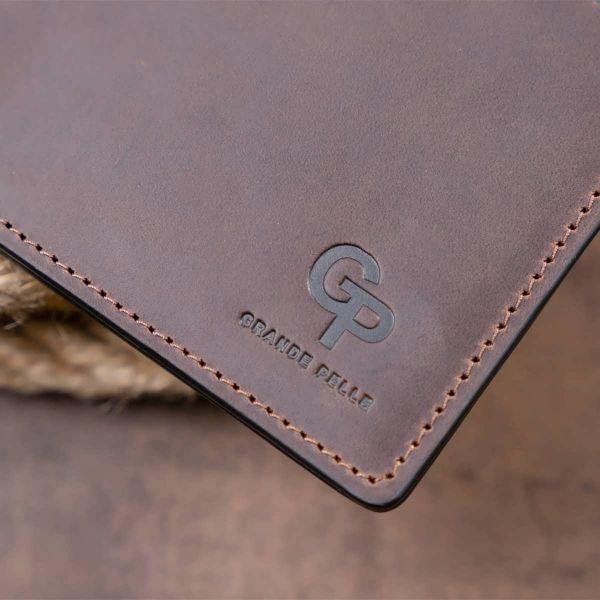 Тонкое горизонтальное портмоне Cardi без застежки в матовой шкуре GRANDE PELLE 11310 коричневое