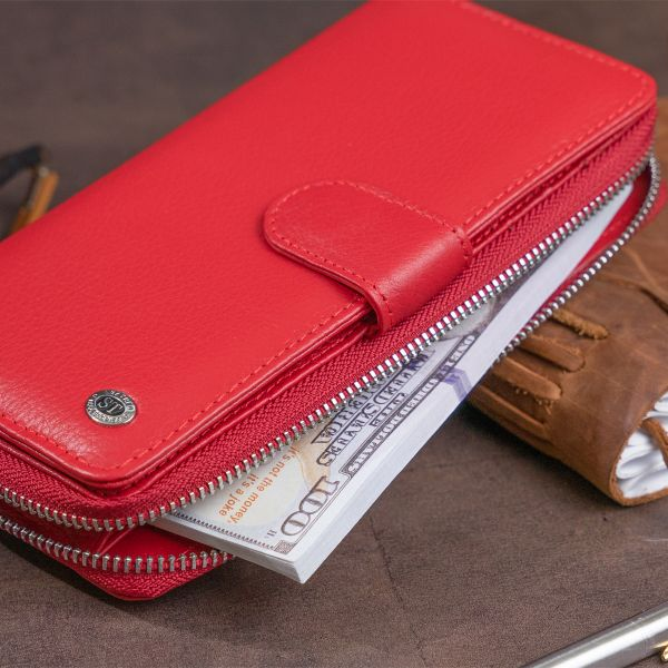 Вертикальный вместительный кошелек из кожи женский ST Leather 19306 Красный